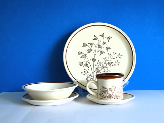 Biltons Tableware Brown & Cream Flowers Dinner Set England
