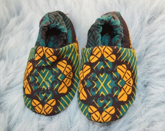 Dark Green and Yellow Baby Bootie, Cloth