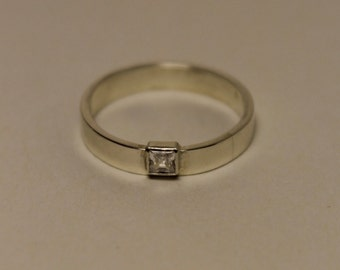 Handmade sterling silver ring with zirconia