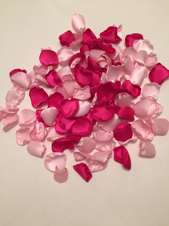 Satin rose p tales all e p tales mari e chaude p tales de rose - Petale de rose comestible ...