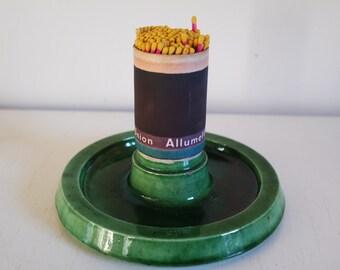 Vintage 1940 ceramic pyrogen/matches scratcher