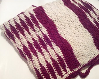 Crochet Red and white wave baby blanket