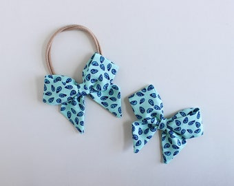 "Dewdrop Blues Fabric ""Dahlia"" Bow"