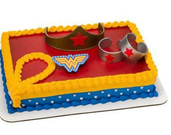 Wonder Woman Tiara Cuffs cake decoration Decoset cake topper set