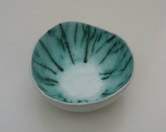 White/green bowl