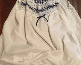 Vintage Lace Apron Blue and white checkered Slenderstyle 3X-46/48