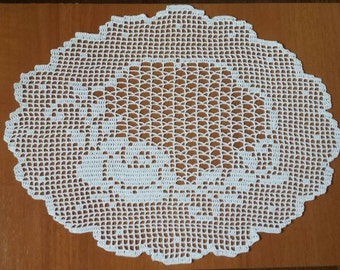 New white handmade crochet doily / Lace doily / Table center decoration / Table mat / Table cloth / Center piece / Doilies