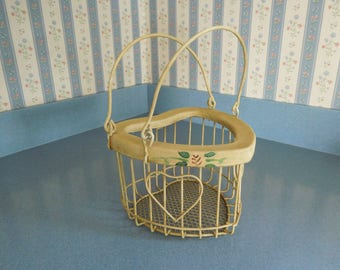 Vintage Metal Heart Shape Wire Basket/Planter