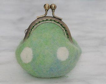How to Make Tiny Wet Felted Coin Purses