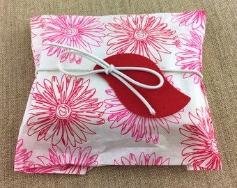 DIY Favor Kit, Set of 10 Pink Flower Print Favor Bags 5 x 7 with Tags & Loops, DIY Favor Kit, Flower Print Paper Favor bags, Red Leaf tags