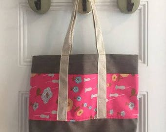 Vintage Fabric Market Tote 14 x 18 x 4 -- Taupe With Hot Pink Floral, 3 Pockets