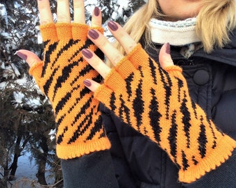 Tiger clothing fingerless gloves alpaca gloves half finger gloves knit orange gloves valentines day gift for her halloween gift cat gloves