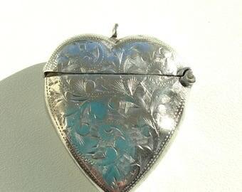 1900 Solid Silver Vesta case/locket unusual Heart Shape