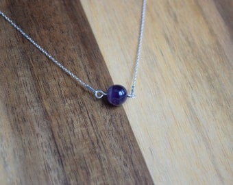 Silver Minimalistic necklace with Amethyst