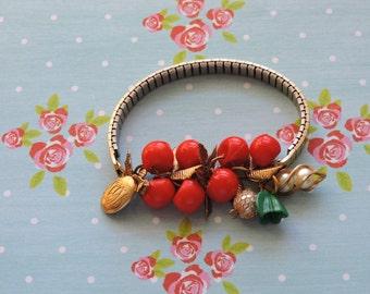 Cherry tulip bracelet
