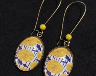 Earrings dangling oval cabochons - great sleepers - wax - yellow