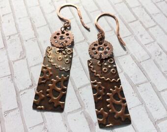 Gear dangle earrings, embossed gear copper earrings, aged copper, antiqued copper, gear earrings, steampunk earrings