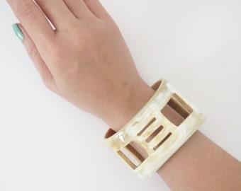 Horn cuff bracelet, cuff bracelet, buffalo horn bracelet, wide cuff bracelet, wide cuff, thick cuff bracelet, horn bracelet