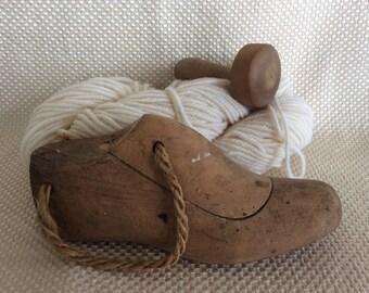 Antique wood shoe last shoemaker form ladies size cobbler tool primitive rustic decor