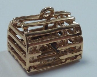 14K Yellow Gold Lobster Trap with Lobster Charm/Pendant, 4.4 grams