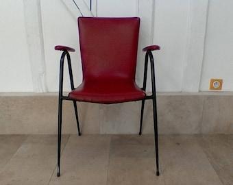 Vintage red leatherette seat