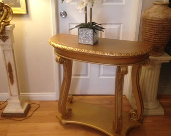 GOLD ENTRY TABLE