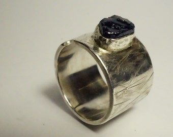 Large ring open silver forged by hand, pierre gross sapphire - ring for wife - Design Nature and mode - R 4087