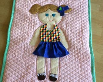 Flat doll quilt