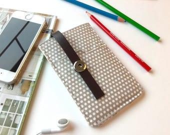 White Polka Dots iPhone 5 Sleeve