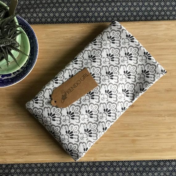 Kendo Shinpan Ki Judge Flag Bag for Shinpan – Black Swirl Design by Kendo Girl