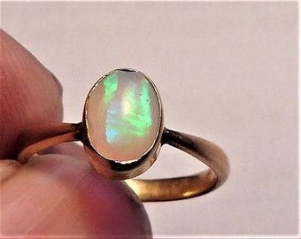 Antique Victorian 9ct Gold Opal Ring - c1880