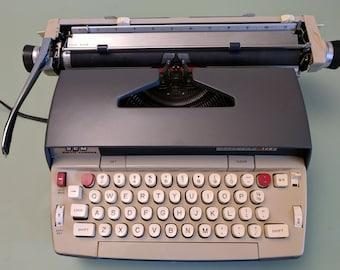 Smith-Corona SCM Electra 120 Portable Typewriter With Case