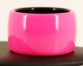 Mod 1960s 1970s Chunky Lucite Cuff Bracelet - Big Wide Black Neon Pink - Mid Century Modern, Vintage Estate Jewelry Mad Men Runway Statement