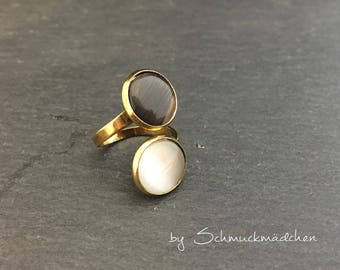 Ring gold white black