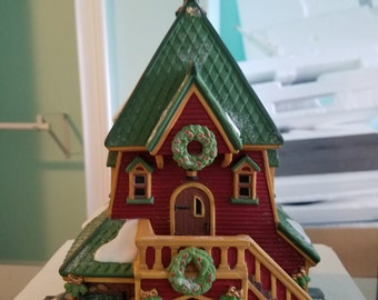 FREE SHIPPING, Department 56 North Pole Santa Rooming House