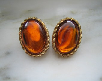 Vintage Gold Tone & Amber Cabochon Clip On Earrings