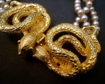 Gilt Metal Serpent Clasp Glass Pearl Bracelet