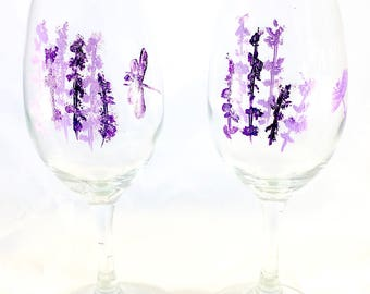 Dragonfly Wine Glasses Hand Painted Purple and Lavender Dragonflies Floral Accents Set of 2-13 oz Wine Glasses for Dragonfly Lovers or Gifts