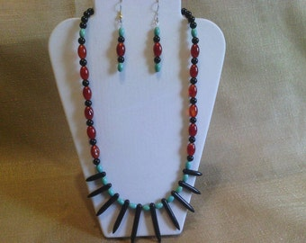 176 Red and Black Agate Fan Focal Turquoise Beaded Necklace