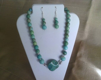 165 Modern and Elegant Magnesite Turquoise Beaded Necklace Set