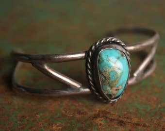 Vintage Native American/Navajo Turquoise Cuff