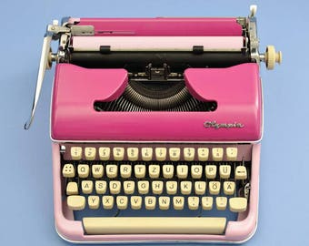 Bicoloured Olympia typewriter