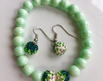 HoneyDew Pearl Beads Bracelet with Green Glass Beads Earrings