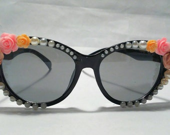 Embellished Sunglasses (Flowers and Pearls)