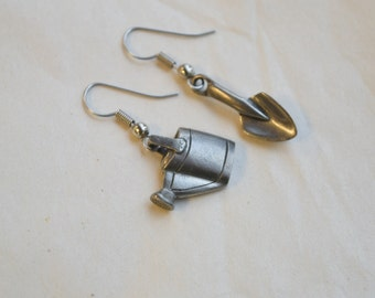 Vintage Danforth Pewter Earrings