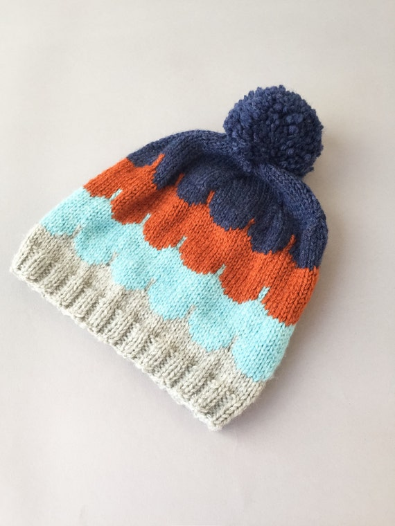 Scalloped merino wool hat for kids/knitted scalloped pom pom hat 4-5 years
