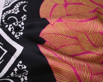 Silk neckerchief Etro, Ar-C363