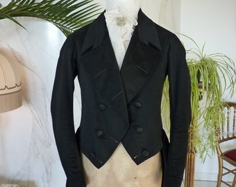 1845 Romantic Period Tailcoat, antique coat, antique mens clothing, antiker Mantel, antique gown, Dress