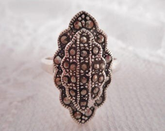 Sterling Silver Ring // Marcasites // Scalloped Edge // Oval // Marcasite // Ring // Size 8 // Vintage // Jewelry // #1112