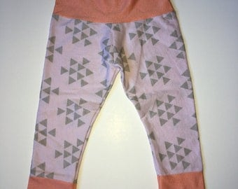SALE Pale Pink Triangles • 0-3 Month Leggings